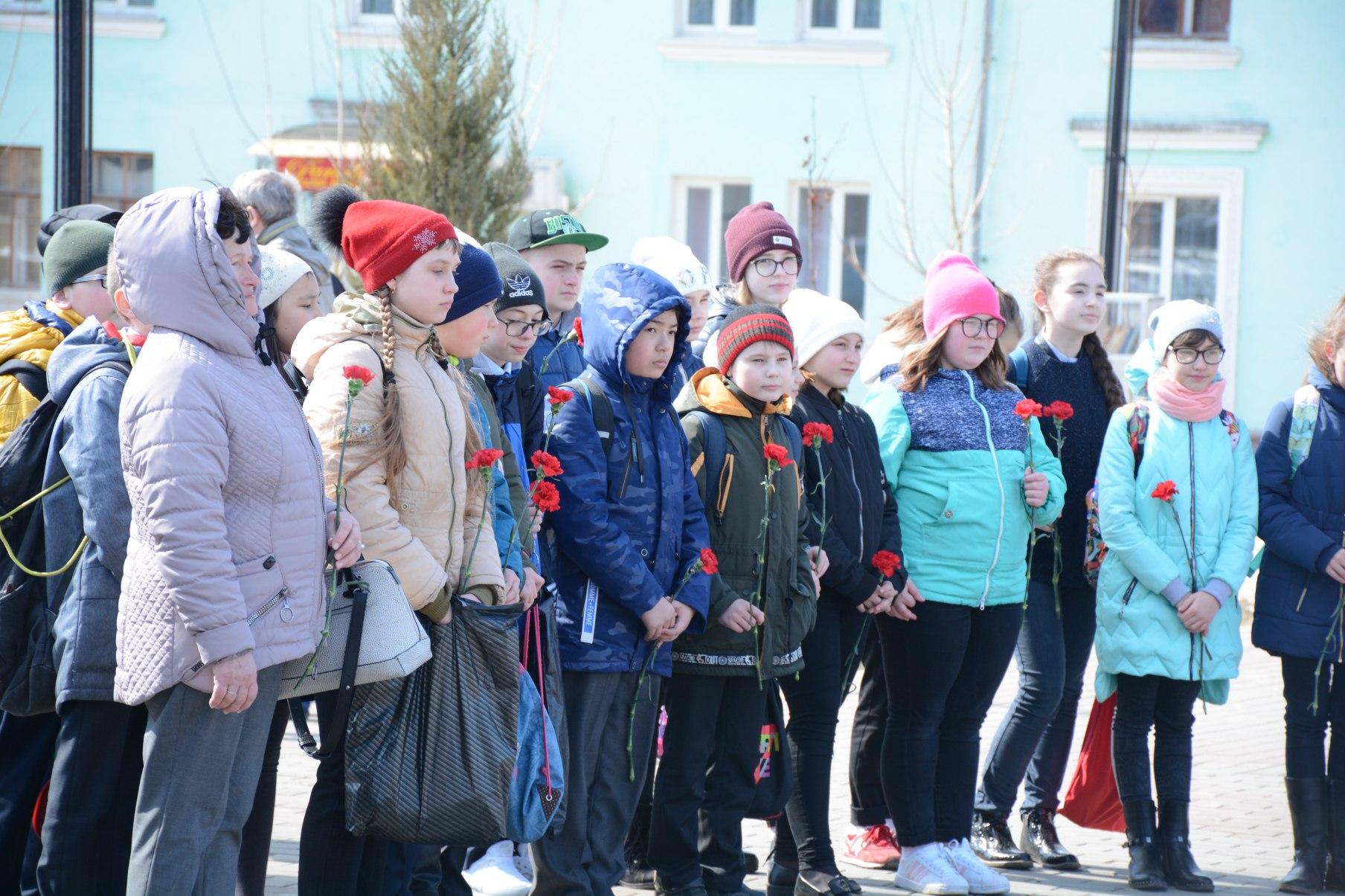 В сквере Победы состоялся митинг, посвященный Международный день освобождения узников фашистских концлагерей.