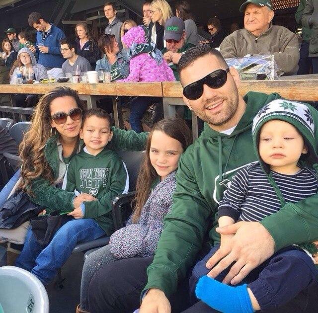 Крис Вайдман со своей семьей