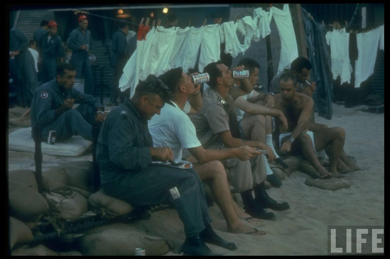 guerre du vietnam - Page 2 QZMkb3Wl4_E