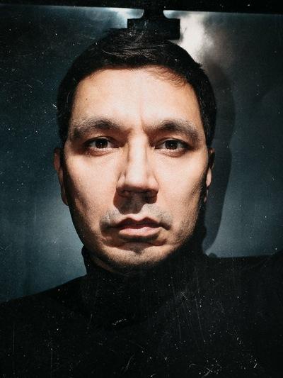 Алекс Шаров