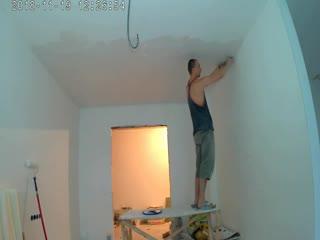 часть 2 поклейка паутинки на поток. я клею стекло обои на потолок. и мысленно произношу. Я Алексей здесь и сейчас осознанно .при