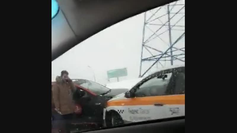 ДТП у Ашана на Осташковском шоссе.