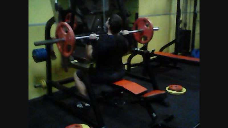 Жим сидя 70 кг на 15 повторений!
