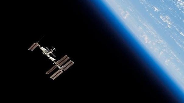 Астрономы любители, фиксируют МКС возле Луны. Каков ответ НАСА.