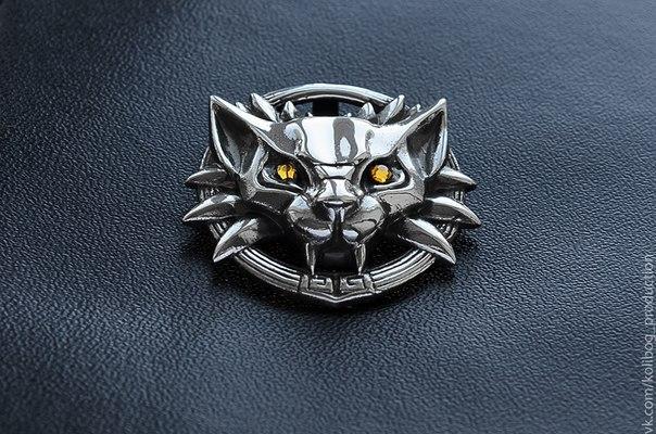 Медальон школа кота купит