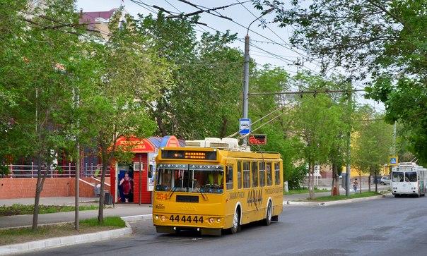 в автобусах и маршрутках,