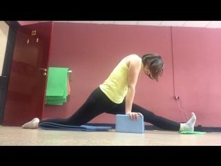 Растяжка (stretching) шпагат в студии танца м фитнеса Bionika пермь