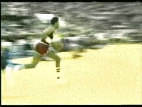 Dr.J take off from FT line at age 35 (1985 slam dunk contest)