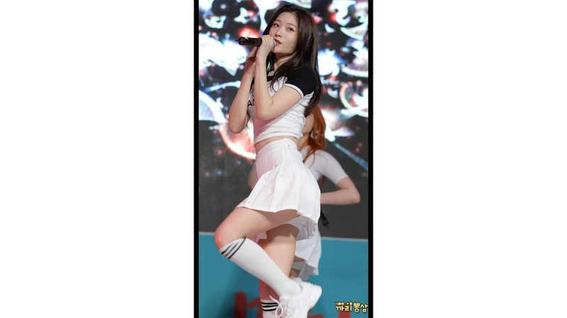 [4K] DIA 다이아 Jung Chaeyeon 정채연 WooWoo 우우 평화이음토요콘서트 직캠/Fancam 181013 by 까리뽕삼