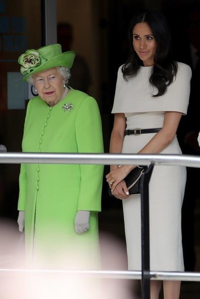 Елизавета II нарушила королевский протокол Не только герцогиня Сассекская нарушает королевский протокол! Настал черед самой Елизаветы II. Ее Высочество, как и другие члены королевской семьи,