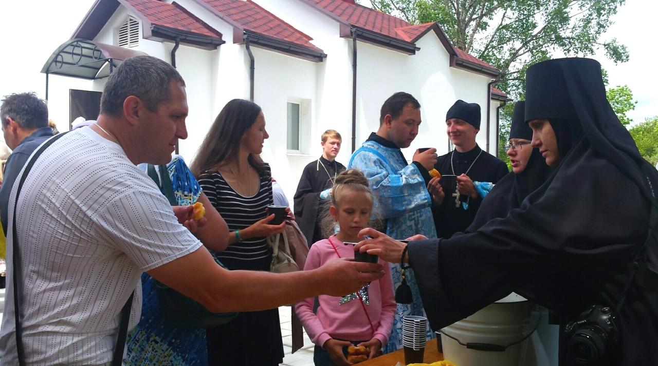 Икона Божией Матери Албазинская посетила храм мученика Иоанна Воина в Кирге