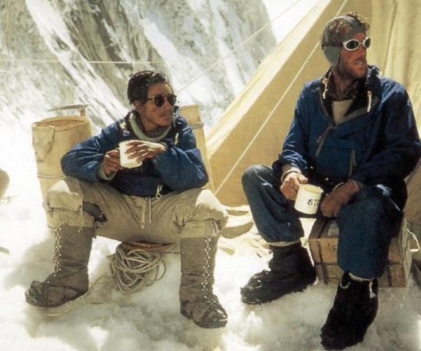 Фотография Эдмунд Хиллари и Норгей Тенцинг на Эвересте, 29 мая 1953 года.