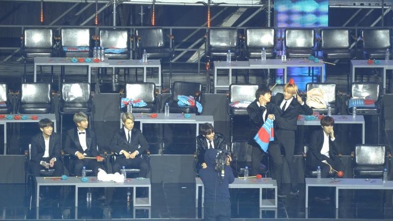 임청정 노래에 흥이 난 진 Jin 과 뷔 방탄소년단 BTS @190105 골든디스크 4k Fancam 직캠