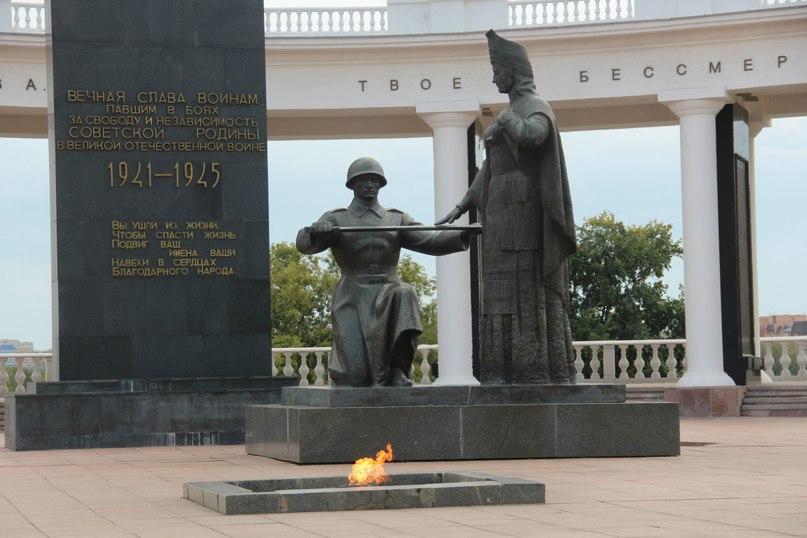 Памятники в хабаровском крае Елец изготовление памятников гатчина пижма