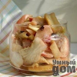 Коллекционируем рецепты заготовок на зиму! Маринованные овощи Ингредиенты овощи (черешковый сельдерей, редис, капуста) 1 кг чеснок 1-2 головки (50-60 г) сок имбиря 2 ст. л. сахар 3 ч. л. соль 3 ч. л. уксус (виноградный, яблочный, ягодный) 4 ст. л. сок лимона 4 ст. л. устричный соус 3 ст. л. кунжутное масло 5 ст. л. фенхель (семена или зелень)или звёздочки бадьяна перец душистый горошком 6-7 шт. Как приготовить Овощи вымыть и очистить. Вес овощей дан в очищеном виде. Стебли сельдерея очистить…