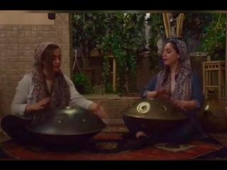Игра иранских девушек на ханге