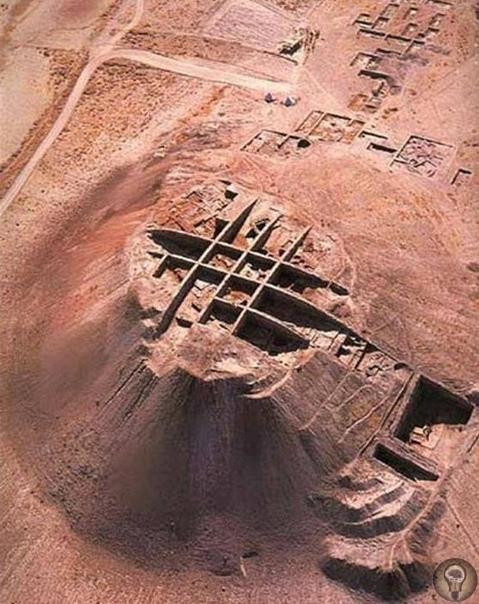 Тайны Норсун-Тепе Любопытная структура внутри холма диаметром 500 м. Об этом месте мало что известно. Оно находится в районе Кебан, примерно в 25 км от Элязыг. Современная восточная Турция. Было
