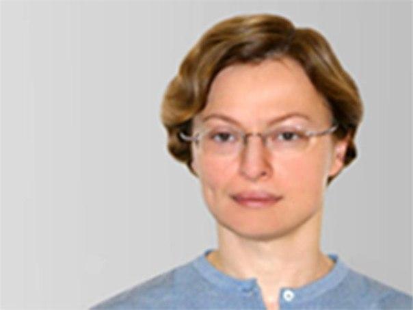 Премьер Дмитрий Медведев освободил Еву Василевскую от должности директ