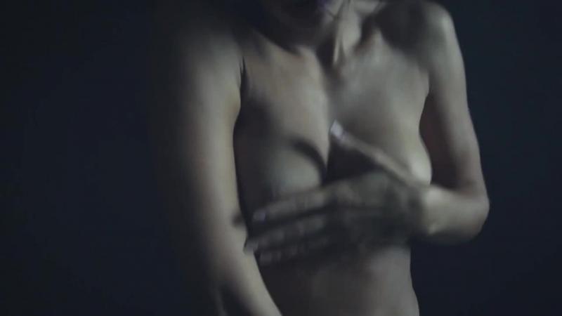 Горячая брюнетка минет жестко мастурбирует, дергая соски своих сисек, дрочит малолетки сиськи изнасилование голые вписка эротика