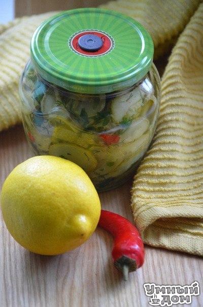 Кабачки в лимонном масле - Собираем рецепты заготовок на зиму Ингредиенты 1 кг-кабачков 1 стручок острого перца цедра 1 лимона укроп,петрушка и базилик, растительное масло 3ст.-воды 1,5 ст-яблочного уксуса 1ст.л-соли Как приготовить Кабачки нарезать кружочками,бланшировать в воде с уксусом и солью (на 3 ст.воды-1,5ст. яблочного уксуса, 1 ст.л соли),вынуть,обсушить и обжарить на масле.Зелень,цедру лимона и острый перец измельчить , перемешать с кабачками.Все разложить по банкам , залить…
