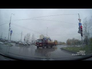 18.10.2016 11:50 Тюмень ДТП ул Щербакова поворот на ММС