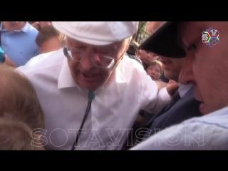 Жириновский: какой ты человек??! Ты гав#о!!! Иди сюда!!