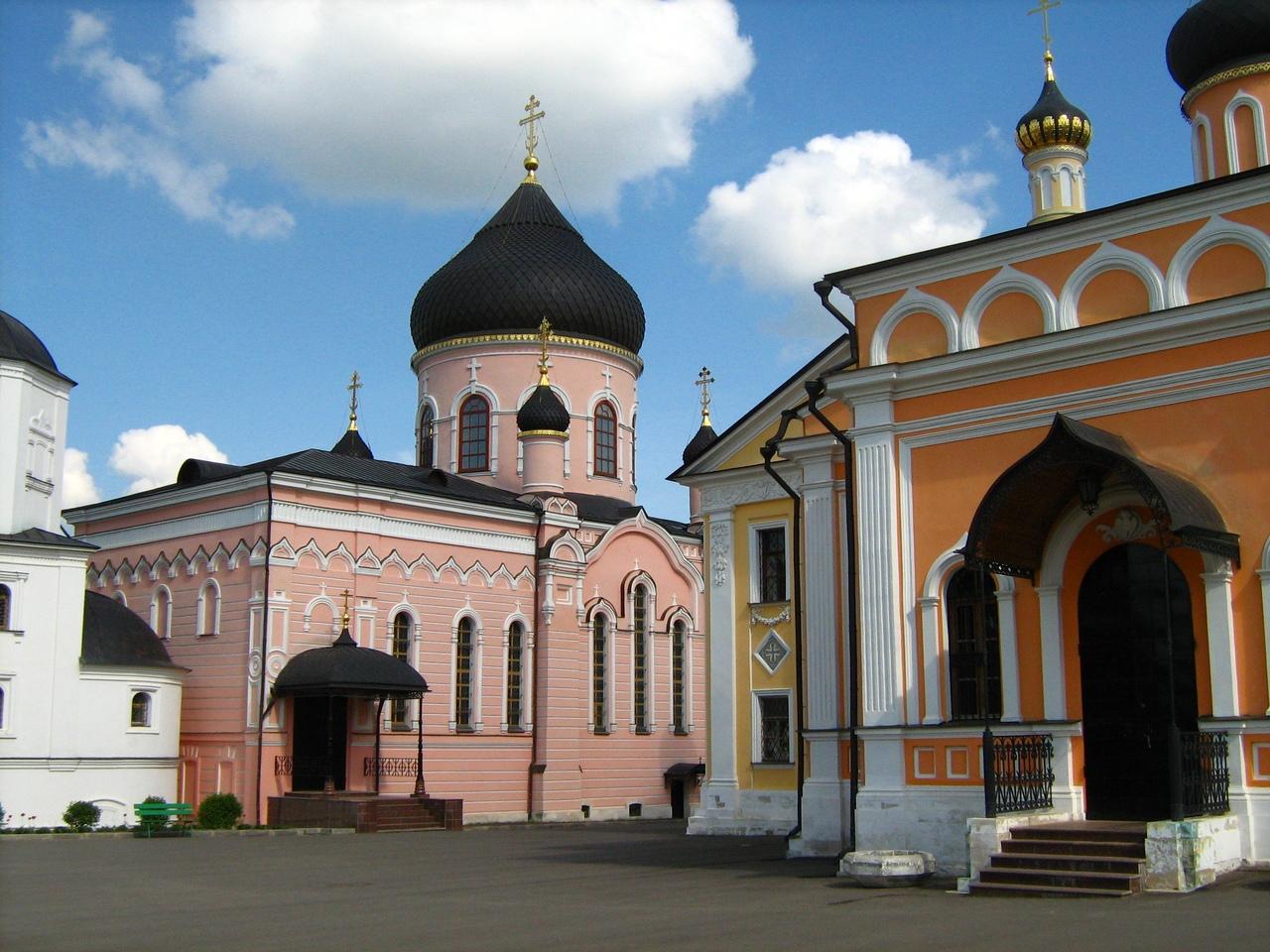 DbKC8I_gRjc Давидова пустынь монастырь в Подмосковье.