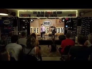 Nothing But Thieves live in the #CD1025 Big Room