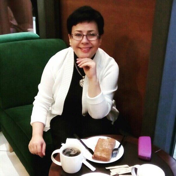 Здравствуйте ! Меня зовут Светлана Лесникова , и  Я помогаю людям в любых жизненных ситуациях уже на протяжение 26 лет , да, за моей спиной большое количество людей которые улучшили свою жизнь . Я считаю что каждый из нас в этом мире имеет право быть счас