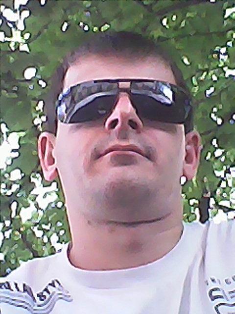 Sergey, 26, Snizhne