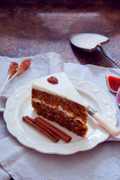 морковный торт что нужно: морковь, измельченная до размера гречневого зёрнышка 3,5 стаканамука 2 стаканасахар 1 стаканрастительное масло 1 стаканяйца крупные 4 шт.грецкие орехи рубленые 1