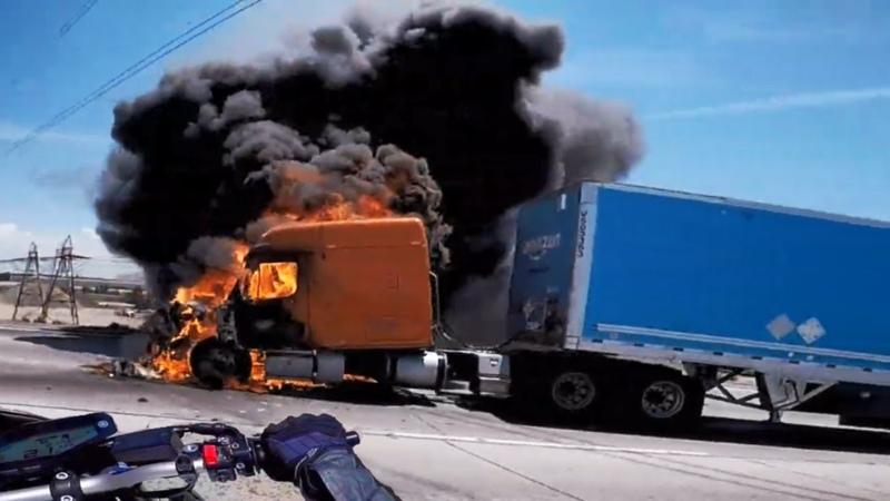 CRAZY Driver Vs Biker \ ROAD RAGE Motorcycle Mishaps \ MOTO Fails 2018 [Ep79]
