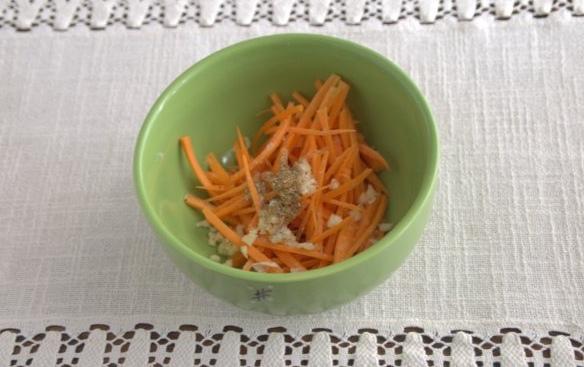 Рулеты из баклажанов с морковью на зиму