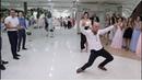 Свадебный батл-танец. Парни против девушек