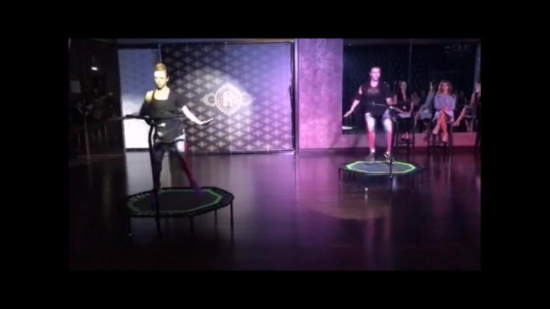 Яна Сухарская и Анастасия Юрчина Школа танцев Романа Ковгана