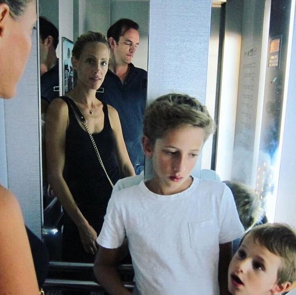 Ким Рэйвер и Мануэль Бойер Женаты с 2000. Сыновья Люк и Лео