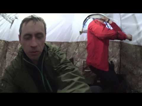 Ночевка зимой в тайге универсальная палатка УП-2 мини ПФ Берег. Печь экономка средняя