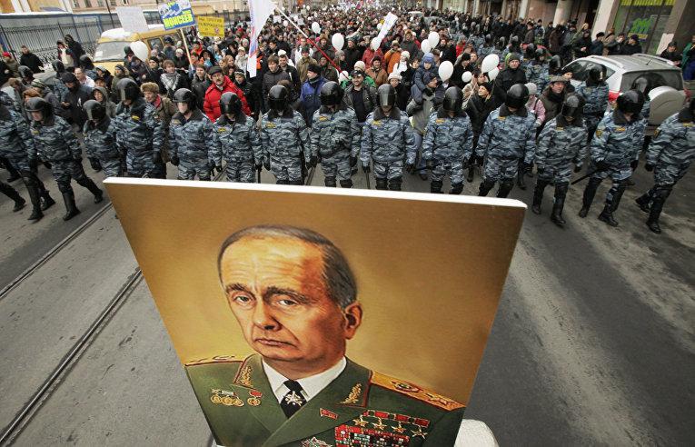 «Левада-центр»: 51% россиян хотят видеть Путина президентом после 2024 года