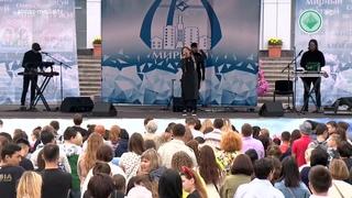С праздником, алмазодобытчики! Информационная программа и концерт группы DEDOOX в Мирном