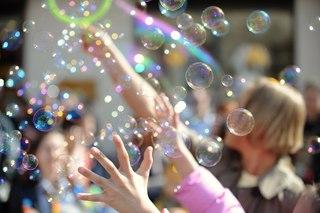Парад мыльных пузырей :Dreamflash на Арбате в апреле 2013 !