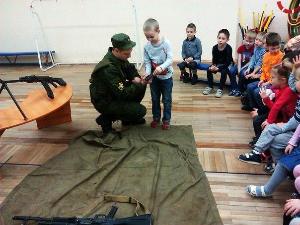 Ученикам воскресной школы раздали оружие и бронежилеты - Страница 3 7J7j-Lrjkkg