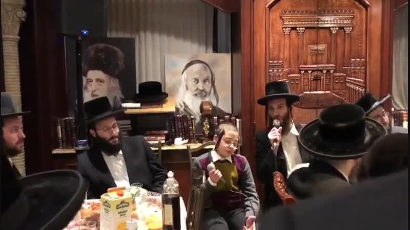 שלום סאאל זינגט מיט בערי וועבער - Shulem Saal Singing With Berry Weber