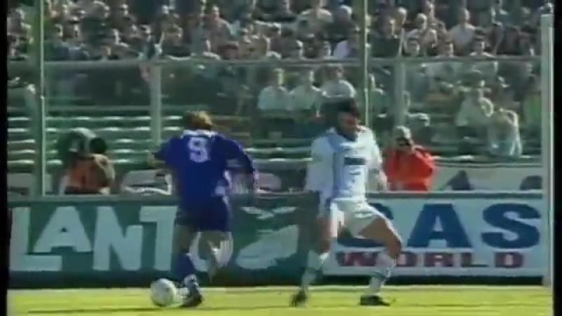 Габриэль Батистута (Фиорентина) - гол в ворота Наполи, 1998 год