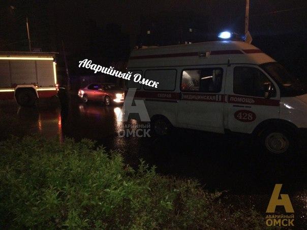 Фото: в Омске одного пешехода сбили два автомобиля