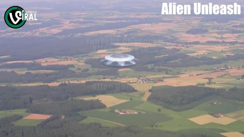 Incríve ! Ovni gigantesco filmado espionando pequeno povoado na Austrália