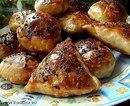 В Узбекистане самсу традиционно готовят в специальных тандырах.  В них она получается особенно ароматной.