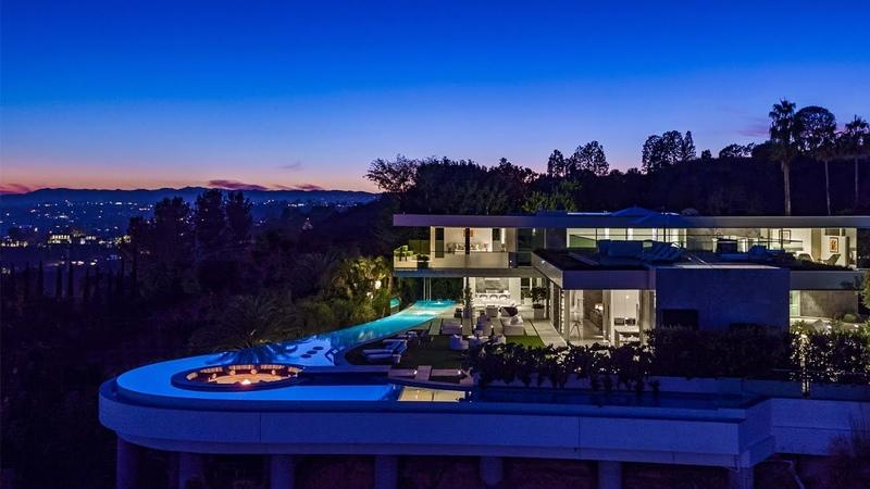 9272 Robin Drive | Bird Streets | $52,000,000
