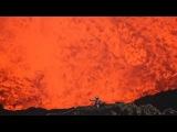 Крутое видео !Исследователь сделал селфи в кратере вулкана HD