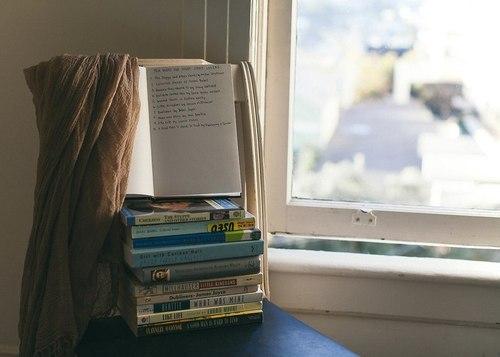 Беда иной литературы заключается в том, что мыслящие люди не пишут, а пишущие не мыслят
