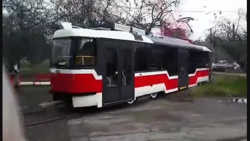 Модернизированный трамвай ТАТРА Т3 с переменным уровнем пола